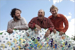It's so obvious that John Medeski just farted in this picture.